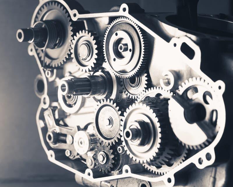Kugghjulhjul inom av en motor royaltyfri foto