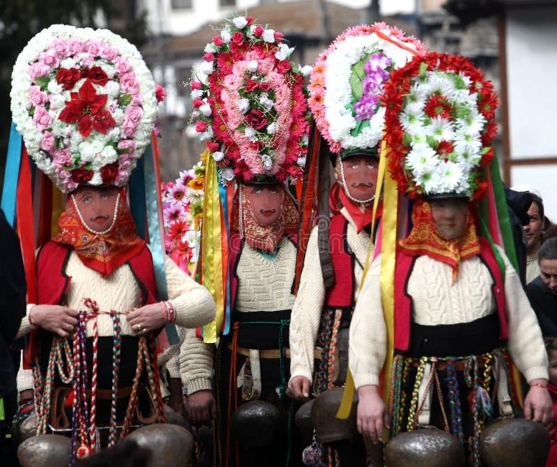 Kukeri i Shiroka Laka, Bulgarien royaltyfri foto