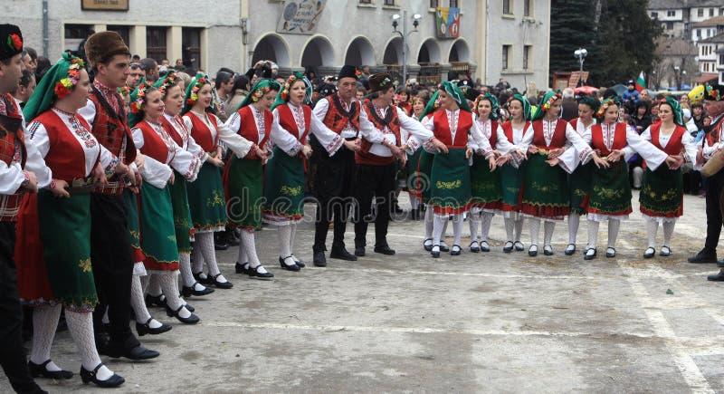Kukeri i Shiroka Laka, Bulgarien royaltyfri bild