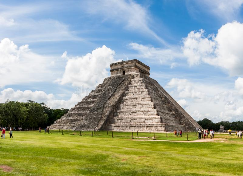 Kukulkan金字塔(el卡斯蒂略)在奇琴伊察,尤加坦,墨西哥 免版税库存照片