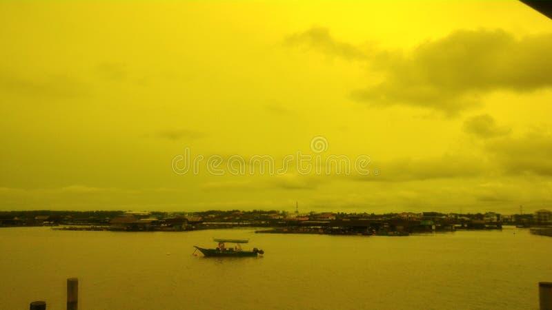 Kukup utilisant le filtre jaune photographie stock libre de droits