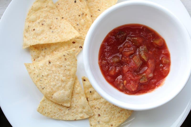 Kukurydzanego tortilla salsa i układy scaleni fotografia royalty free