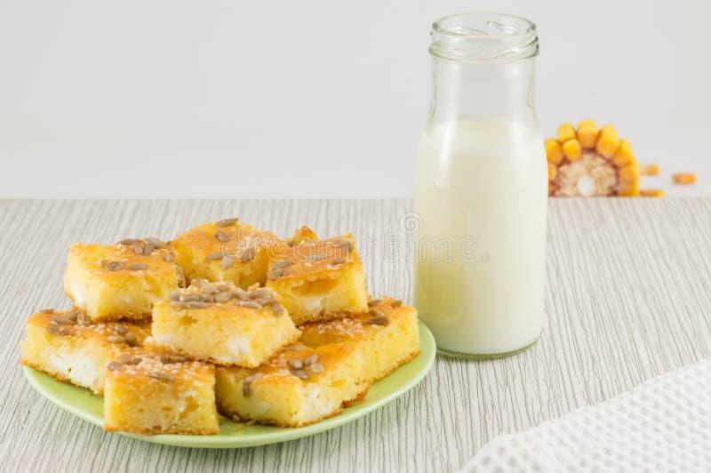 Kukurydzany chleb z ziarnami obraz stock