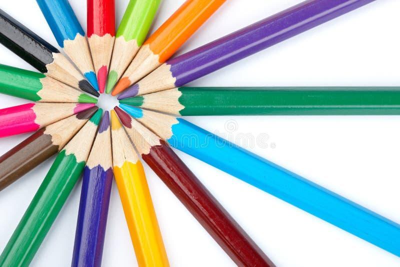 kulör blyertspennaskola arkivfoton