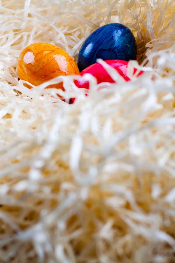 Kulöra ägg för påsk arkivfoto