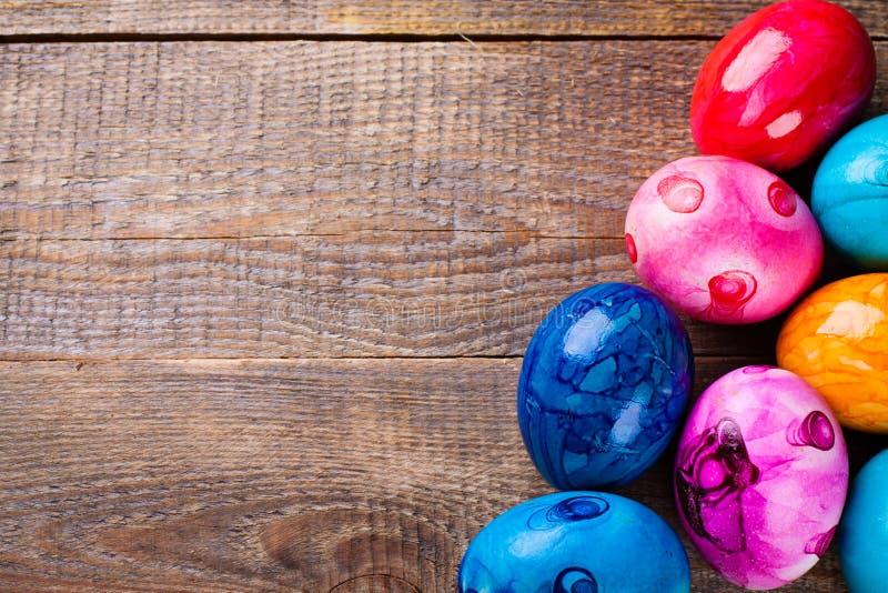 Kulöra ägg för påsk arkivbild