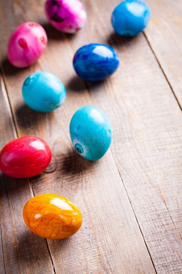 Kulöra ägg för påsk arkivfoton