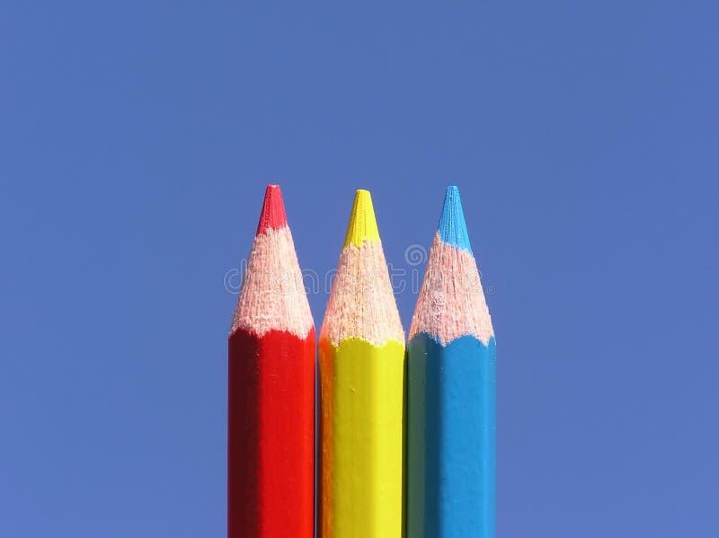 kulöra blyertspennor arkivfoton