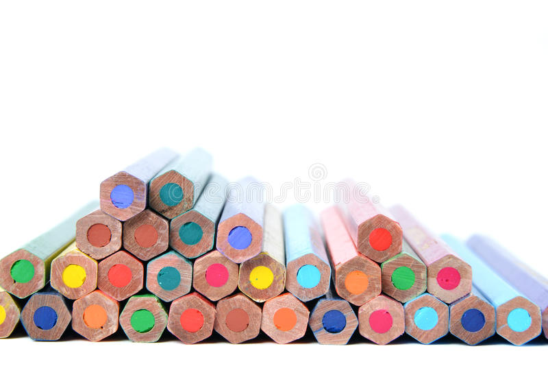 kulöra blyertspennor för sortiment fotografering för bildbyråer