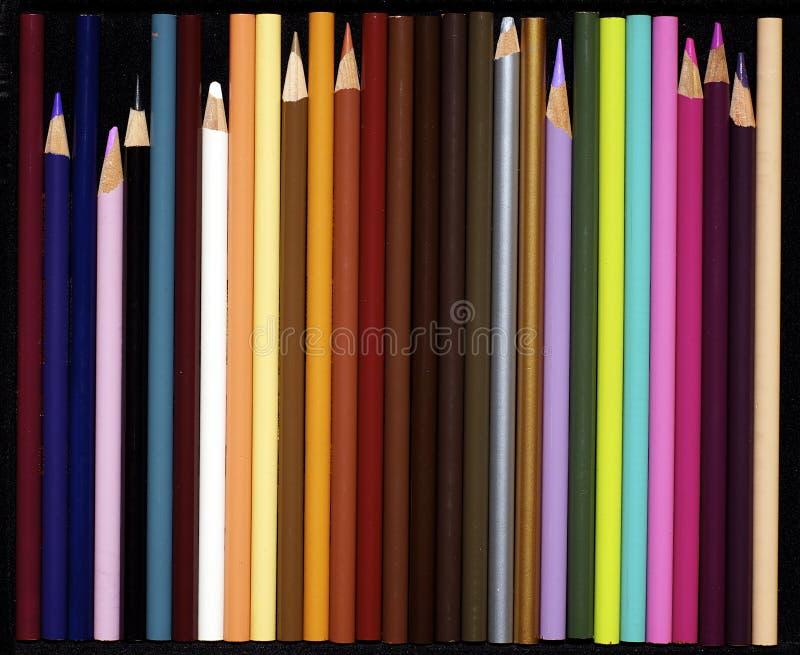 kulöra blyertspennor för sortiment royaltyfri bild
