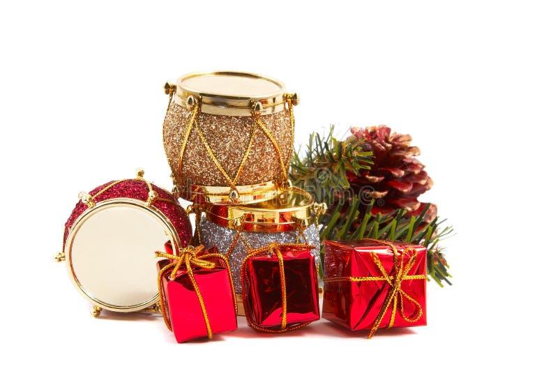 kulöra garneringar för ljus jul royaltyfri fotografi
