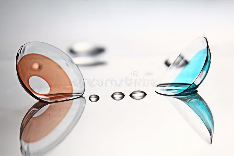 Kulöra kontaktlinser royaltyfri fotografi