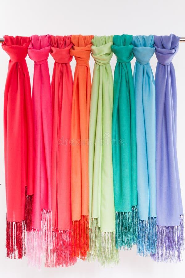 Kulöra scarves royaltyfria bilder
