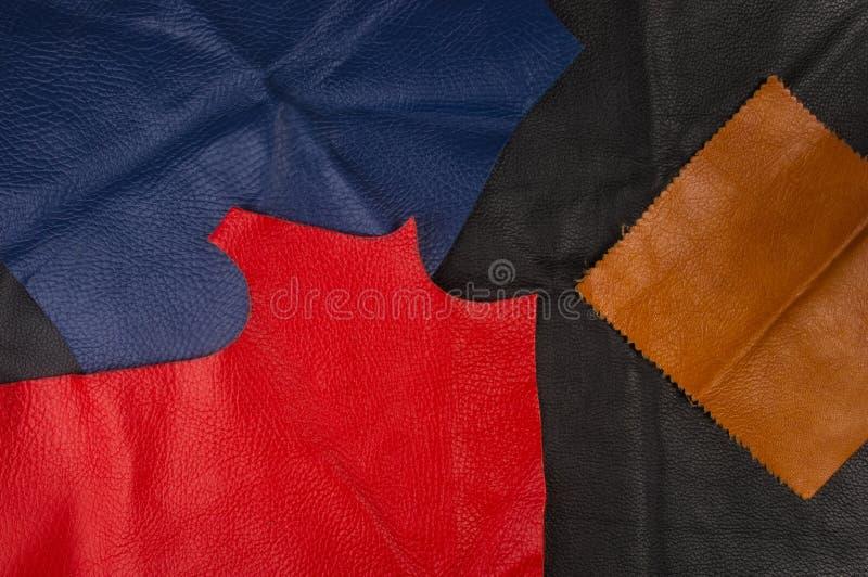 kulöra stycken och rester av naturligt läder royaltyfria foton