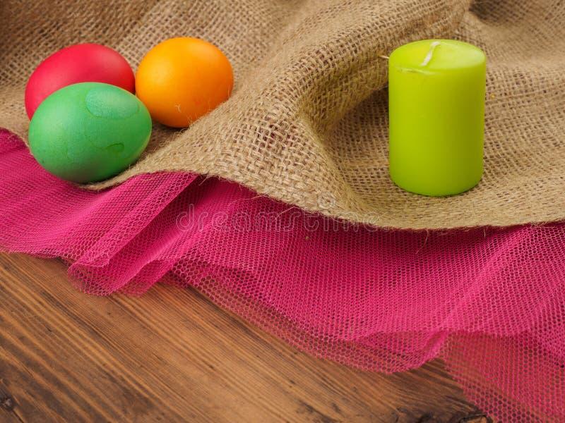 Kulört ägg för påsk med stearinljuset Förlöjliga upp för din hälsningskort, affisch eller annan designen Ryss och ukrainare som ä arkivfoton