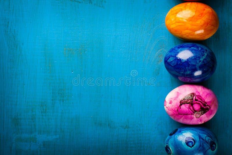 kulört easter ägg arkivbild