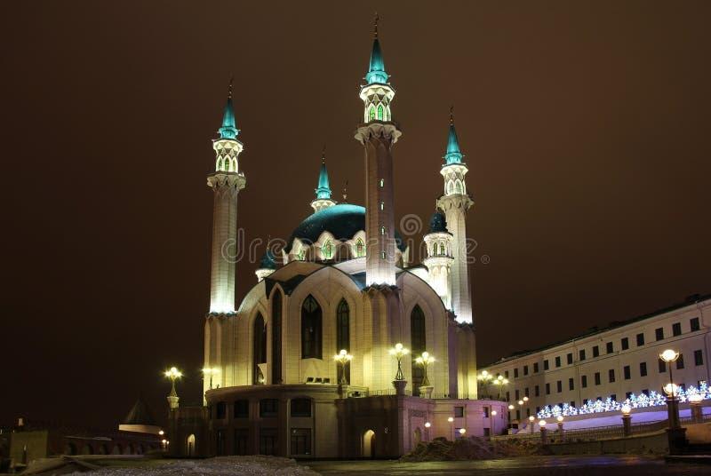 Kul Sharif Qolsherif, Kol Sharif, Qol Sharif Mosque no Kremlin de Kazan em uma noite do inverno Jama Masjid principal na repúblic foto de stock royalty free