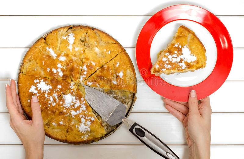 Kulebiak z jabłkami i cynamonem fotografia stock