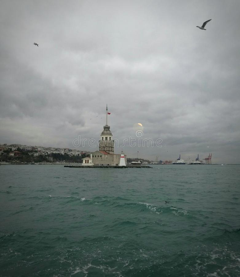 Kulesi Kis & x28; tower& x29 девушек; индюк Стамбула стоковая фотография rf
