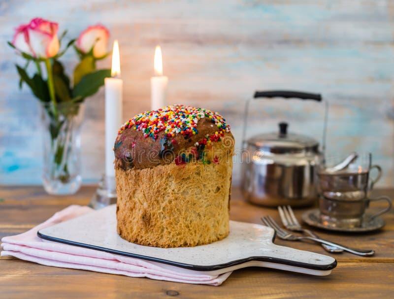 Kulich de la torta de Pascua imagenes de archivo