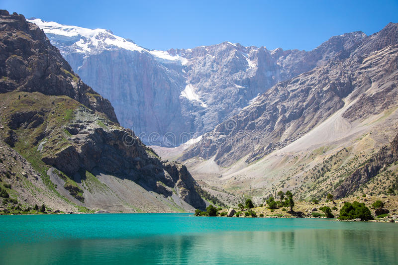 Kulikalon sjöar, Fann berg, turism, Tadzjikistan royaltyfri foto