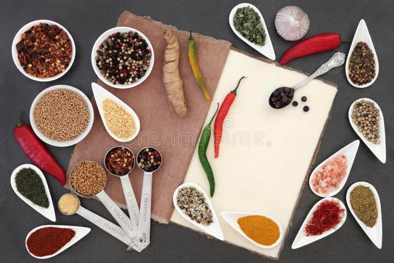 Kulinariska örter och kryddor arkivfoto