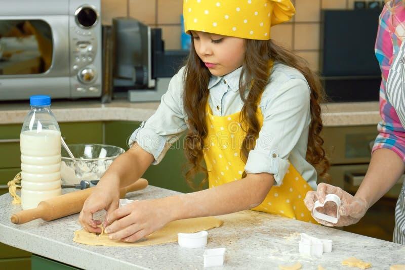 kulinarna dziewczyna trochę zdjęcie royalty free
