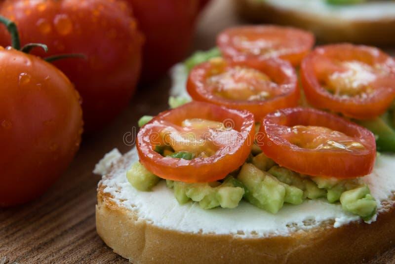 Kulinarny bruschetta z kremowym serem zdjęcie stock
