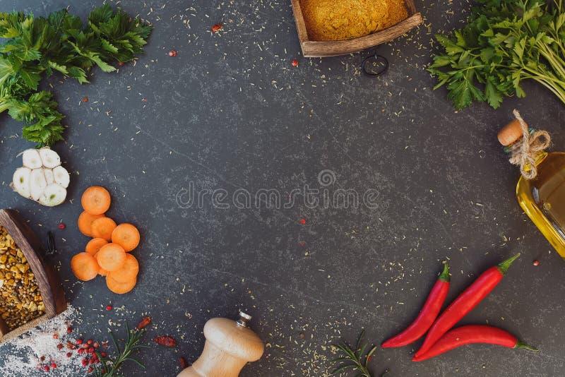 Kulinarny tło, pikantność i ziele dla gotować, zdjęcie stock