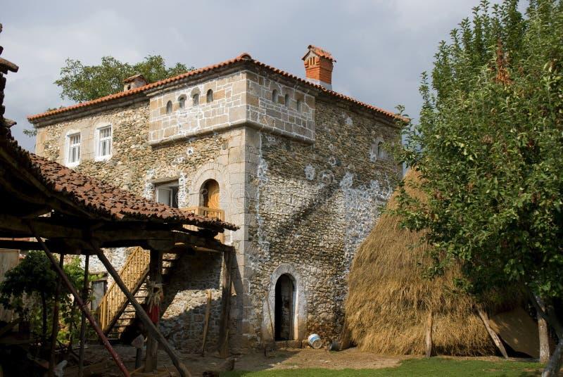 Kulla hus, Dranoc, Kosovo arkivfoton