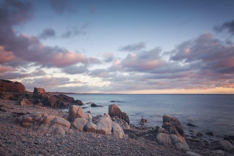 Kullaberg rotsachtige kustlijn stock afbeelding