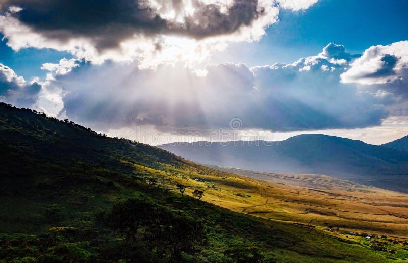 Kullarna av den Ngorongoro krater arkivfoto