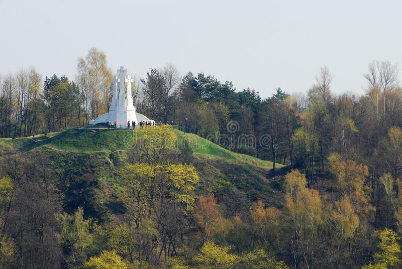 Kullen av tre kors i Vilnius royaltyfri bild