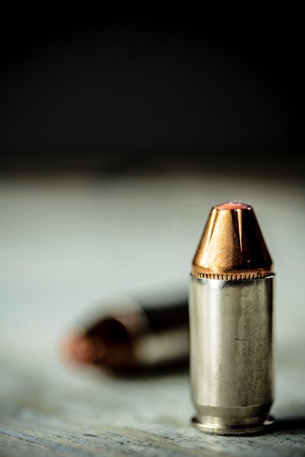 Kulor för ammunitionar för handvapenpistol royaltyfria bilder