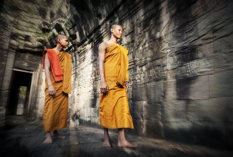 Kultur, die Mönch Buddhism Traditional Concept erwägt stockfotos