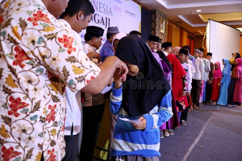 Kultura całować ręki dorosli zdjęcie stock