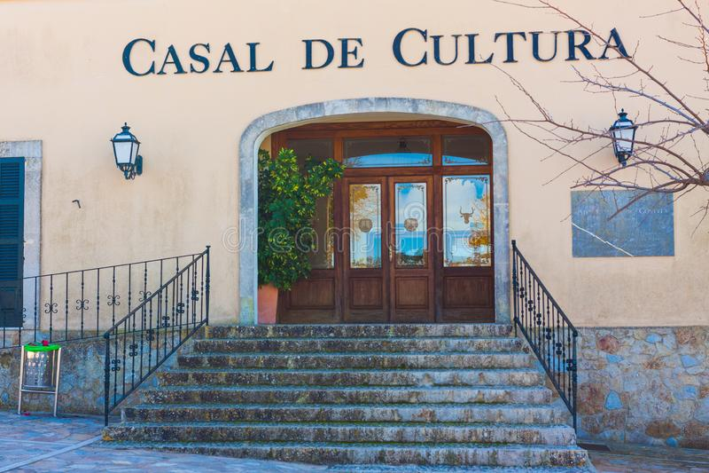 Kulturelle Mitte oder Haus von Culture Casal de Cultura in Costitx, Mallorca, Spanien lizenzfreie stockfotos