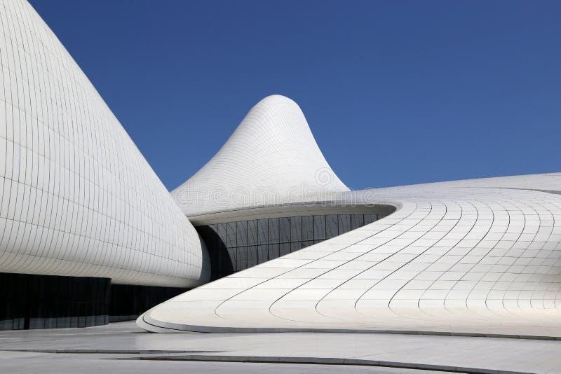 Kulturelles Mittelgeb?ude genannt nach Heydar Aliyev, architector Zaha Hadid lizenzfreie stockfotografie