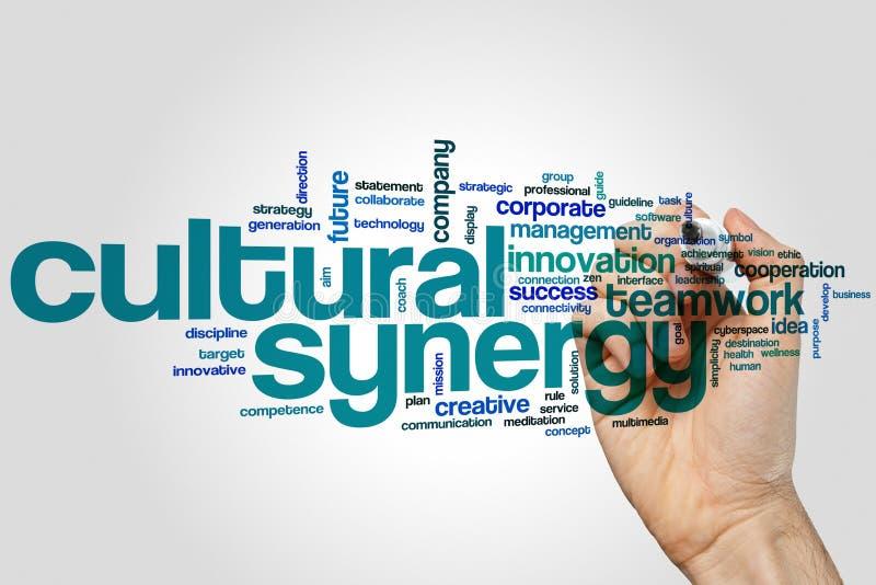 Kulturellt begrepp för synergiordmoln på grå bakgrund royaltyfria bilder