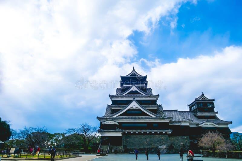 Kumamoto, Japón 13 de enero: Hay visita de los turistas en el castillo de Kumamoto fotos de archivo libres de regalías