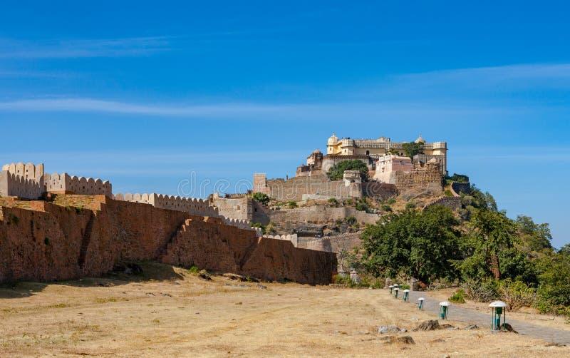 Kumbhalgarh fort i Rajasthan, Indien royaltyfri fotografi