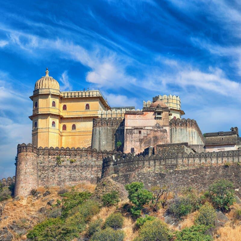 Kumbhalgarh fortpanorama Rajasthan Indien fotografering för bildbyråer