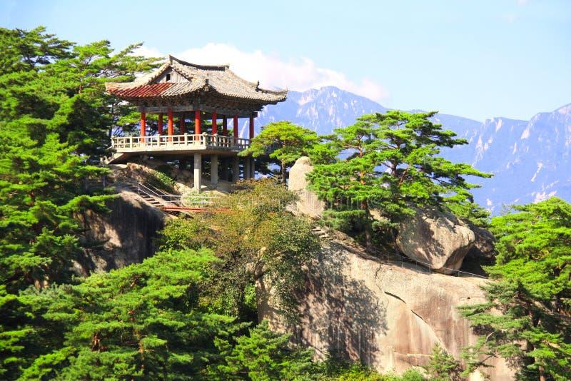 Kumgangsan山的古老亭子,北朝鲜DPRK 库存照片