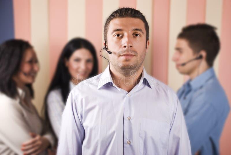 Kundenkontaktcenterbedienerteamwork lizenzfreie stockfotos