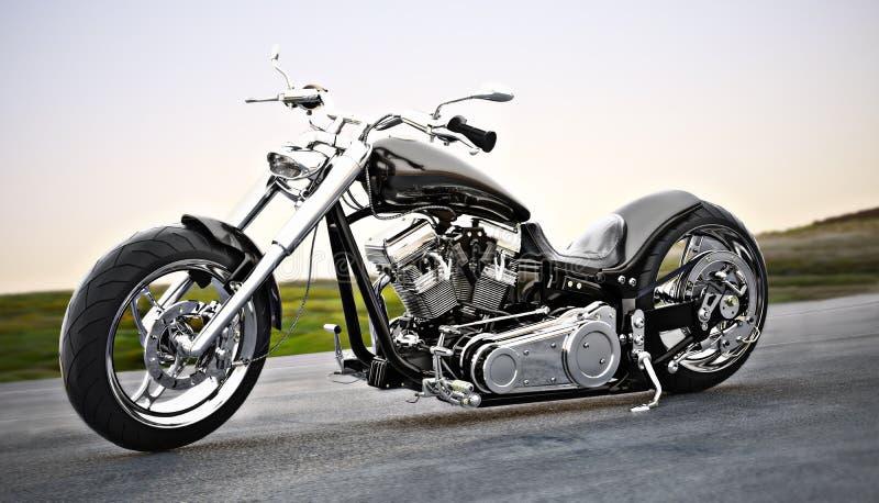 Kundenspezifisches schwarzes Motorrad auf der offenen Straße lizenzfreie abbildung