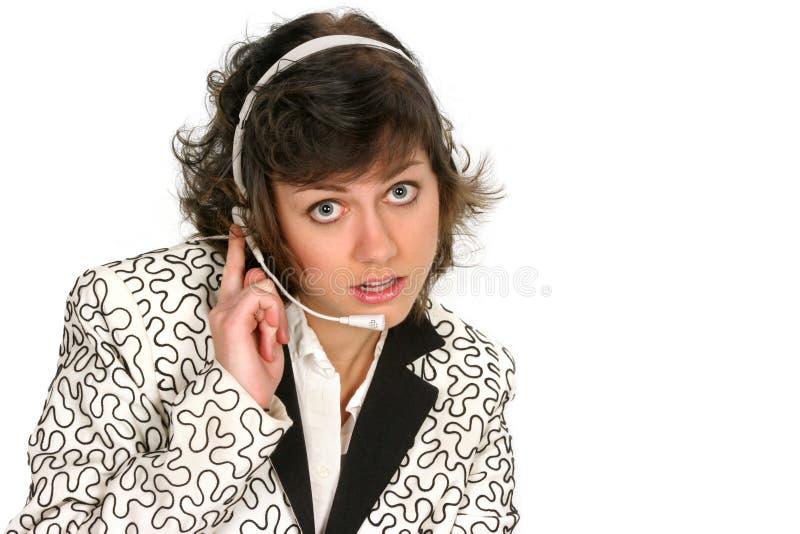 kundhörlurar med mikrofon henne lyssnar över servicetech royaltyfria bilder