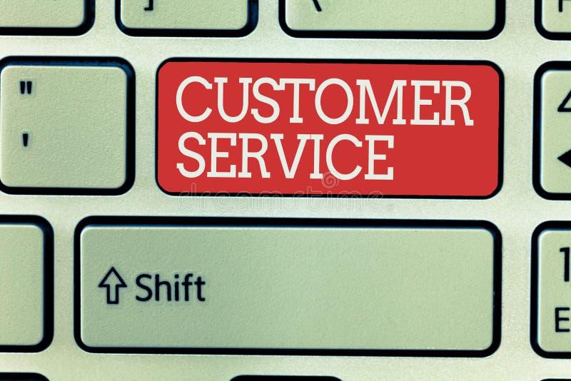 Kundtjänst för ordhandstiltext Affärsidé för process av att se till klienttillfredsställelse med produkten arkivfoton
