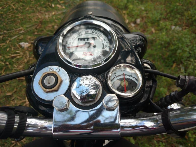 Kunglig Enfield cykel arkivfoto