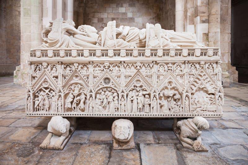 Kunglig gravvalv, Alcobaca arkivbilder