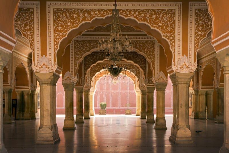 Kunglig inre i den Jaipur slotten, Indien arkivfoto